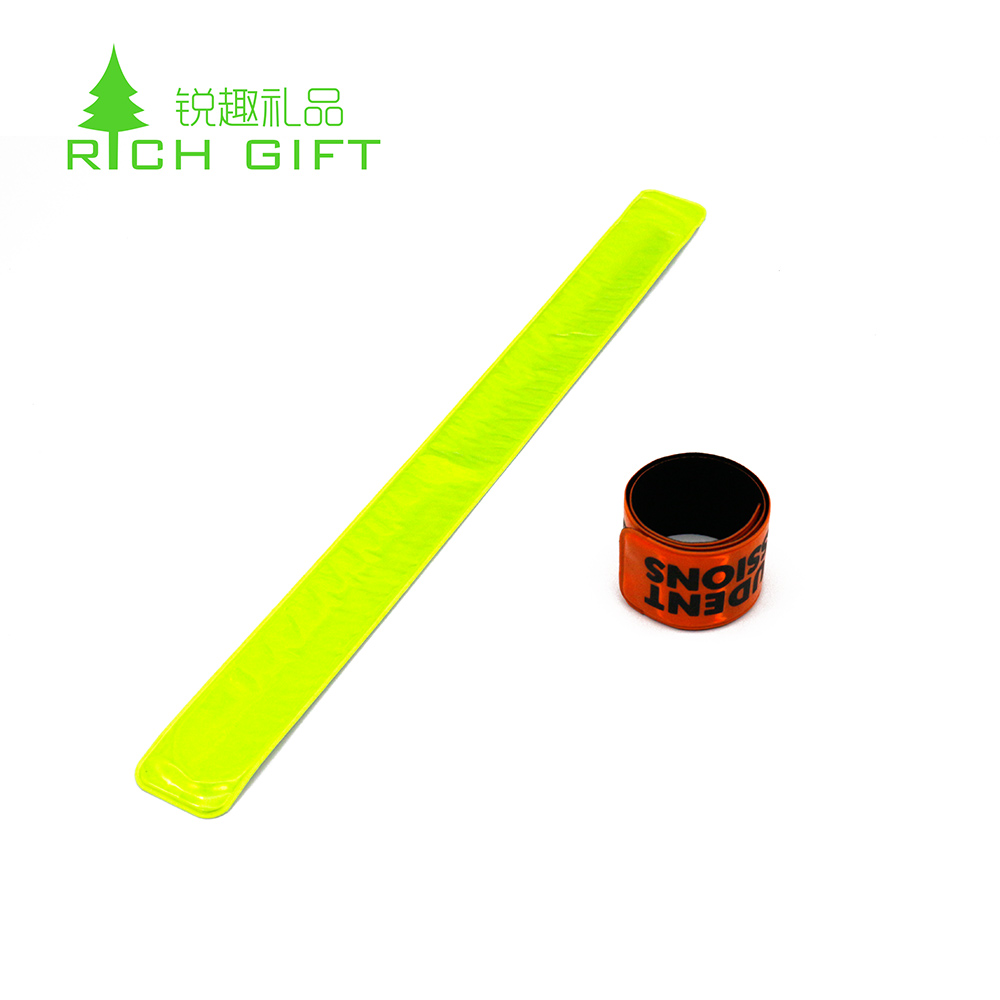 Wholesale cheap custom durable blank reflective snap rubber bracelet silicone slap wristband for kids