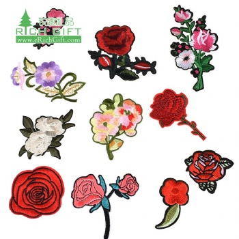Handmade fashion Design Embroidered Appliques badge floral rose custom embroidery patch flower for clothing
